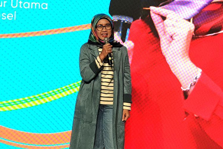 Direktur Utama Telkomsel Emma Sri Martini dalam acara peluncurkan kartu perdana digital